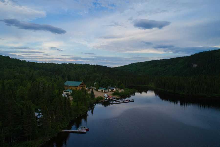 vue aérienne sur le lac